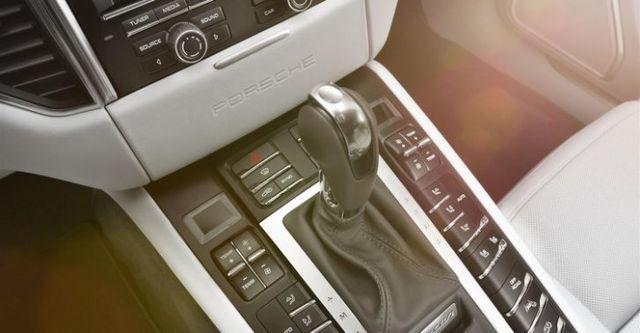 2015 Porsche Macan Turbo  第10張相片