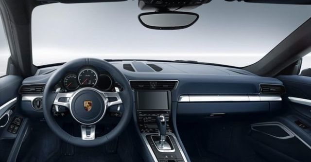 2014 Porsche 911 Turbo S Coupe  第8張相片