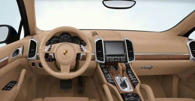 2014 Porsche Cayenne Diesel Tiptronic  第6張相片