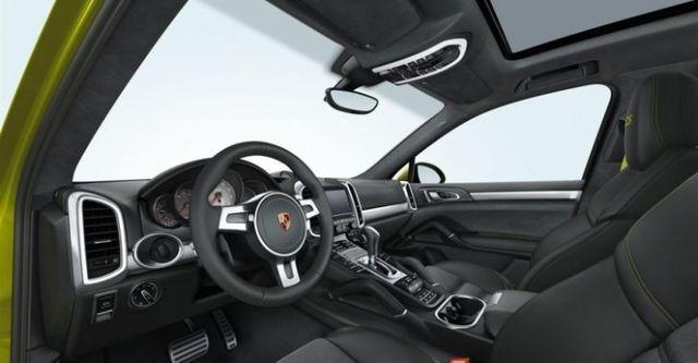 2014 Porsche Cayenne GTS  第7張相片