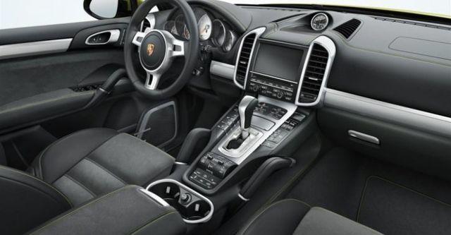 2014 Porsche Cayenne GTS  第9張相片