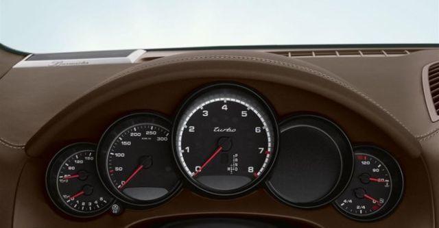 2014 Porsche Cayenne Turbo Tiptronic  第7張相片