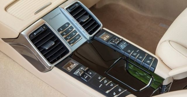 2014 Porsche Panamera 4  第10張相片