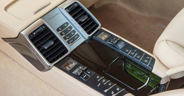 2014 Porsche Panamera 4S  第10張相片