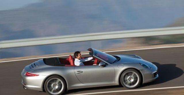 2013 Porsche 911 Carrera S Cabriolet  第11張相片