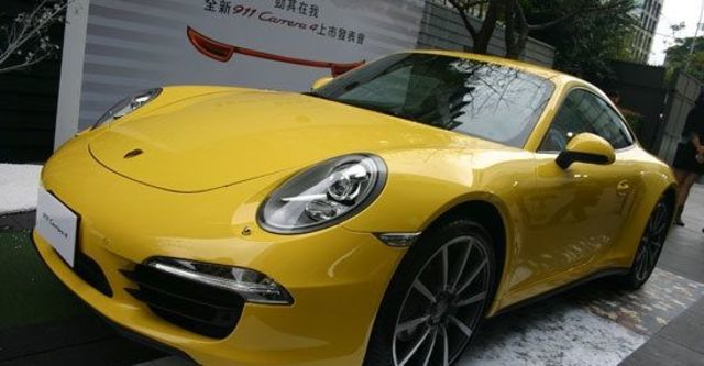2013 Porsche 911 Carrera 4 Coupe  第1張相片