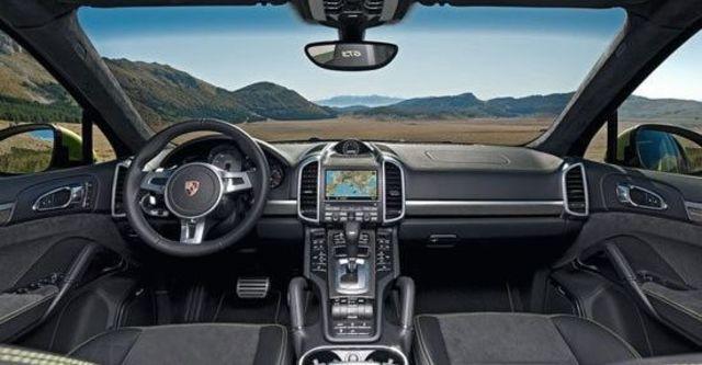 2013 Porsche Cayenne GTS  第4張相片