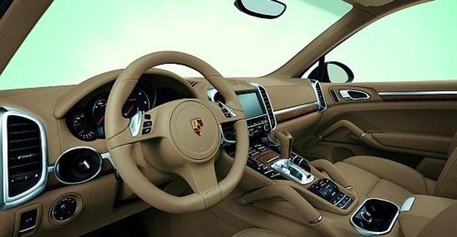 2013 Porsche Cayenne S Hybrid Tiptronic  第7張相片