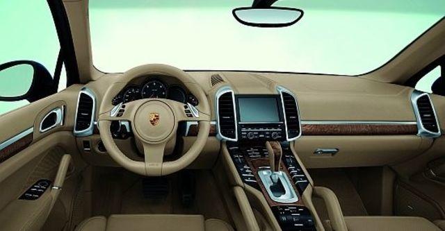 2013 Porsche Cayenne Turbo Tiptronic  第7張相片