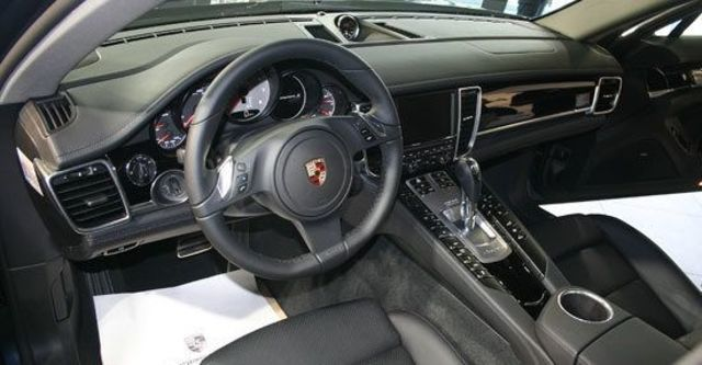 2013 Porsche Panamera S Hybrid  第6張相片