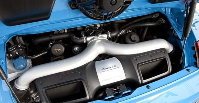 2012 Porsche 911 Turbo Coupe  第9張相片