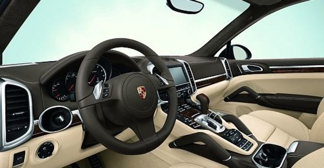 2012 Porsche Cayenne Diesel Tiptronic  第4張相片