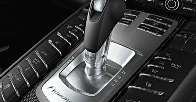 2012 Porsche Panamera GTS  第10張相片