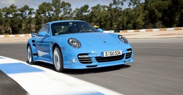 2011 Porsche 911 Turbo Coupe  第1張相片
