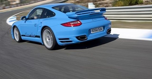 2011 Porsche 911 Turbo Coupe  第3張相片