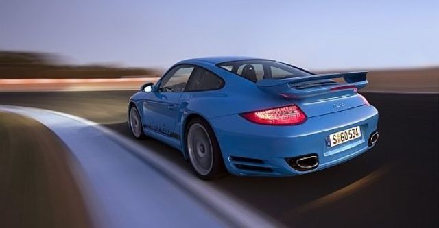 2011 Porsche 911 Turbo Coupe  第5張相片