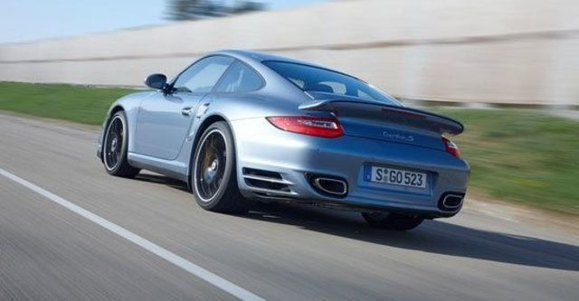 2011 Porsche 911 Turbo S Coupe  第3張相片