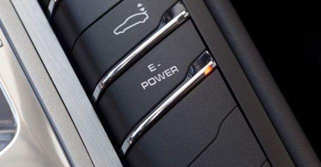 2011 Porsche Panamera S Hybrid  第9張相片