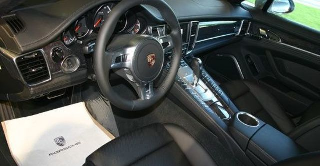 2011 Porsche Panamera Turbo S  第9張相片