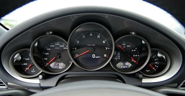 2010 Porsche 911 Carrera Coupe  第8張相片