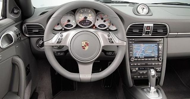 2010 Porsche 911 Carrera 4 Coupe  第7張相片