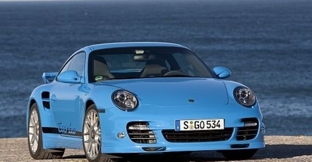 2010 Porsche 911 Turbo Coupe  第6張相片