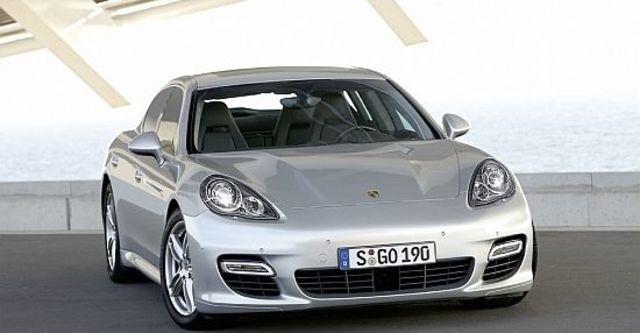 2010 Porsche Panamera Turbo  第1張相片