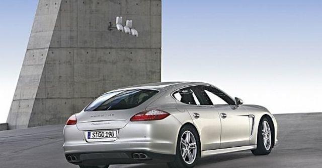 2010 Porsche Panamera Turbo  第3張相片