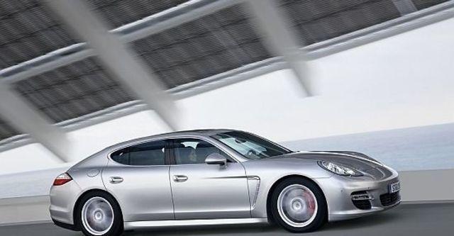 2010 Porsche Panamera Turbo  第8張相片