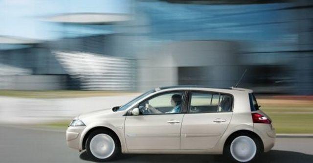 2010 Renault Megane Hatch 1.9 dCi  第4張相片