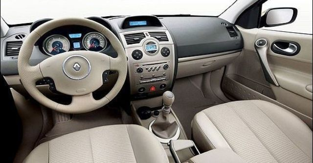 2008 Renault Megane Hatch 1.6  第8張相片