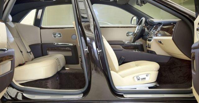 2014 Rolls-Royce Ghost 6.6 V12  第9張相片