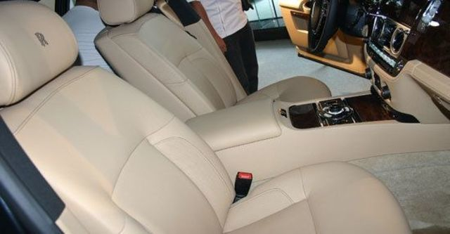 2011 Rolls-Royce Ghost 6.6 V12  第6張相片