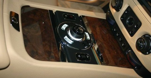 2011 Rolls-Royce Ghost 6.6 V12  第10張相片