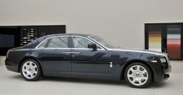 2011 Rolls-Royce Ghost 6.6 V12  第15張相片