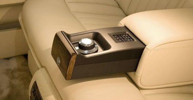 2011 Rolls-Royce Phantom 6.75 V12 EWB  第12張相片
