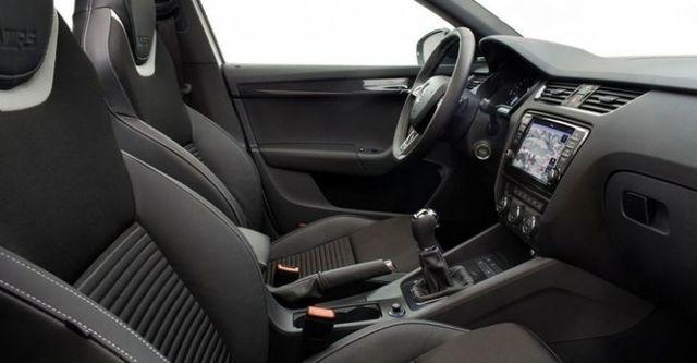 2015 Skoda Octavia Combi RS 2.0 TSI  第8張相片