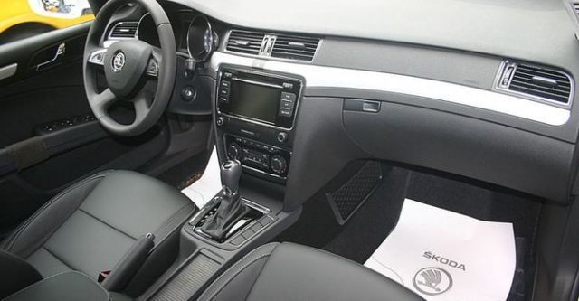 2015 Skoda Superb Sedan 1.8 TSI Ambition  第8張相片