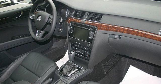 2015 Skoda Superb Sedan 2.0 TDI Elegance  第8張相片