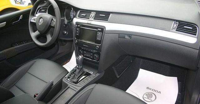 2014 Skoda Superb Sedan 1.8 TSI  第8張相片