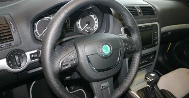 2013 Skoda Octavia Combi RS 2.0 TSI  第7張相片