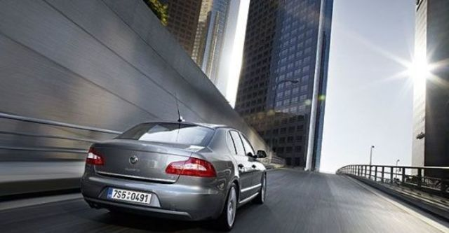 2013 Skoda Superb Sedan 1.8 TSI  第5張相片