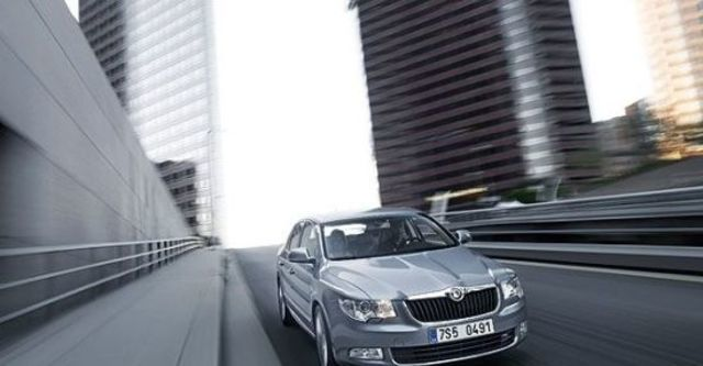 2012 Skoda Superb Sedan 1.8 TSI  第4張相片