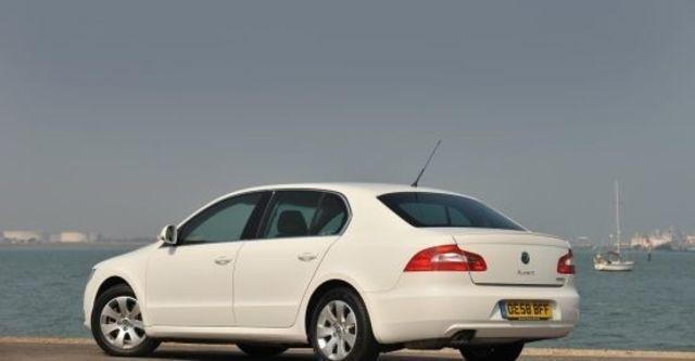 2012 Skoda Superb Sedan 2.0 TDI  第3張相片