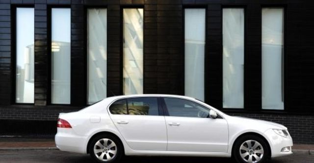 2012 Skoda Superb Sedan 2.0 TDI  第4張相片