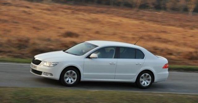 2012 Skoda Superb Sedan 2.0 TDI  第5張相片