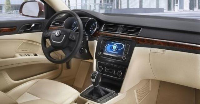 2012 Skoda Superb Sedan 2.0 TDI  第6張相片