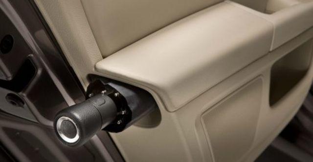 2011 Skoda Superb Sedan 2.0 TDI  第7張相片