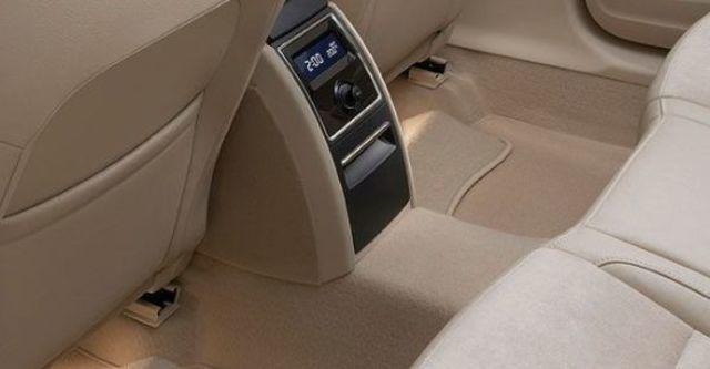 2011 Skoda Superb Sedan V6 FSI  第8張相片