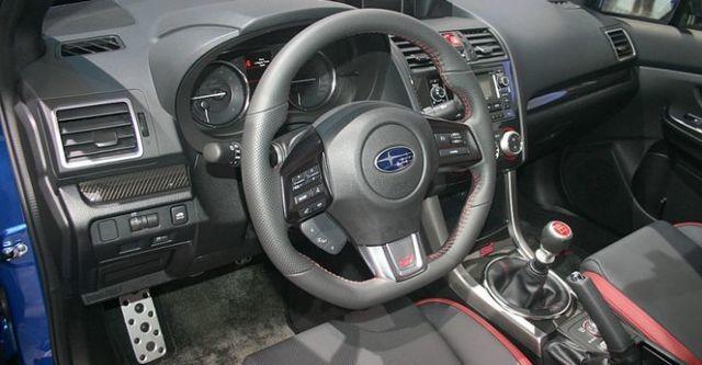 2015 Subaru WRX STI 2.5i  第8張相片
